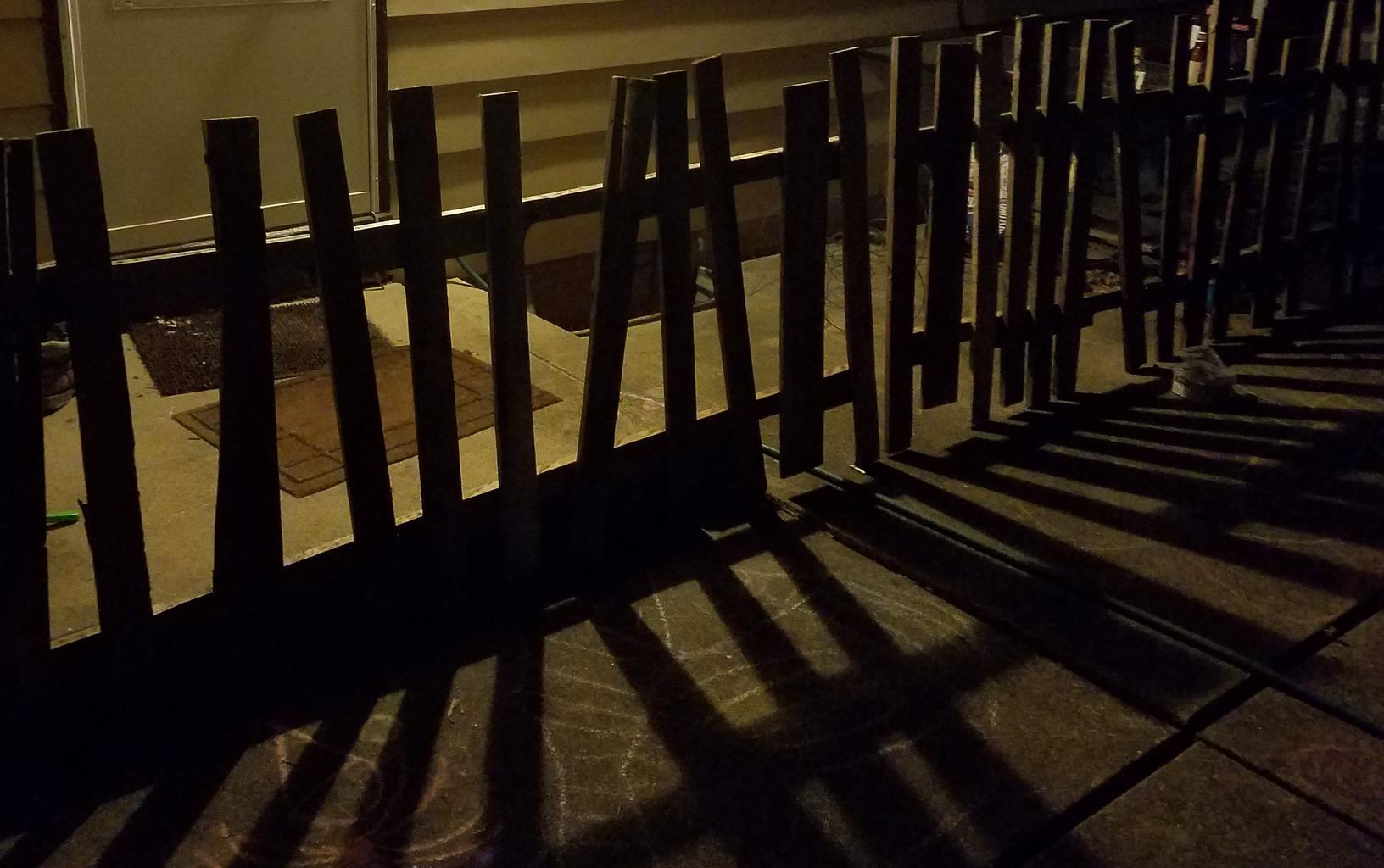 Spooky Halloween Pallet Fence