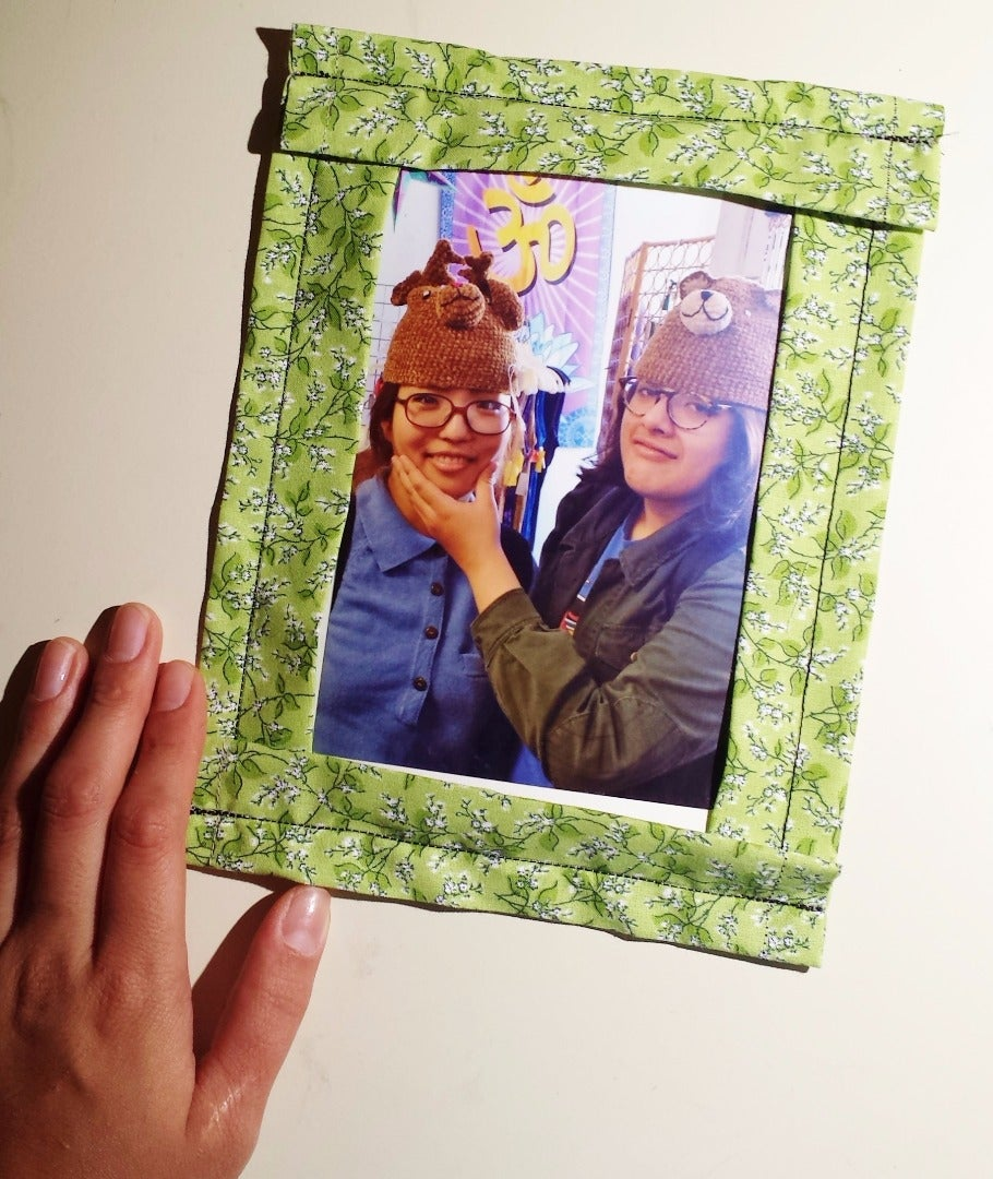 How to Make a Flexible Velcro Picture Frame