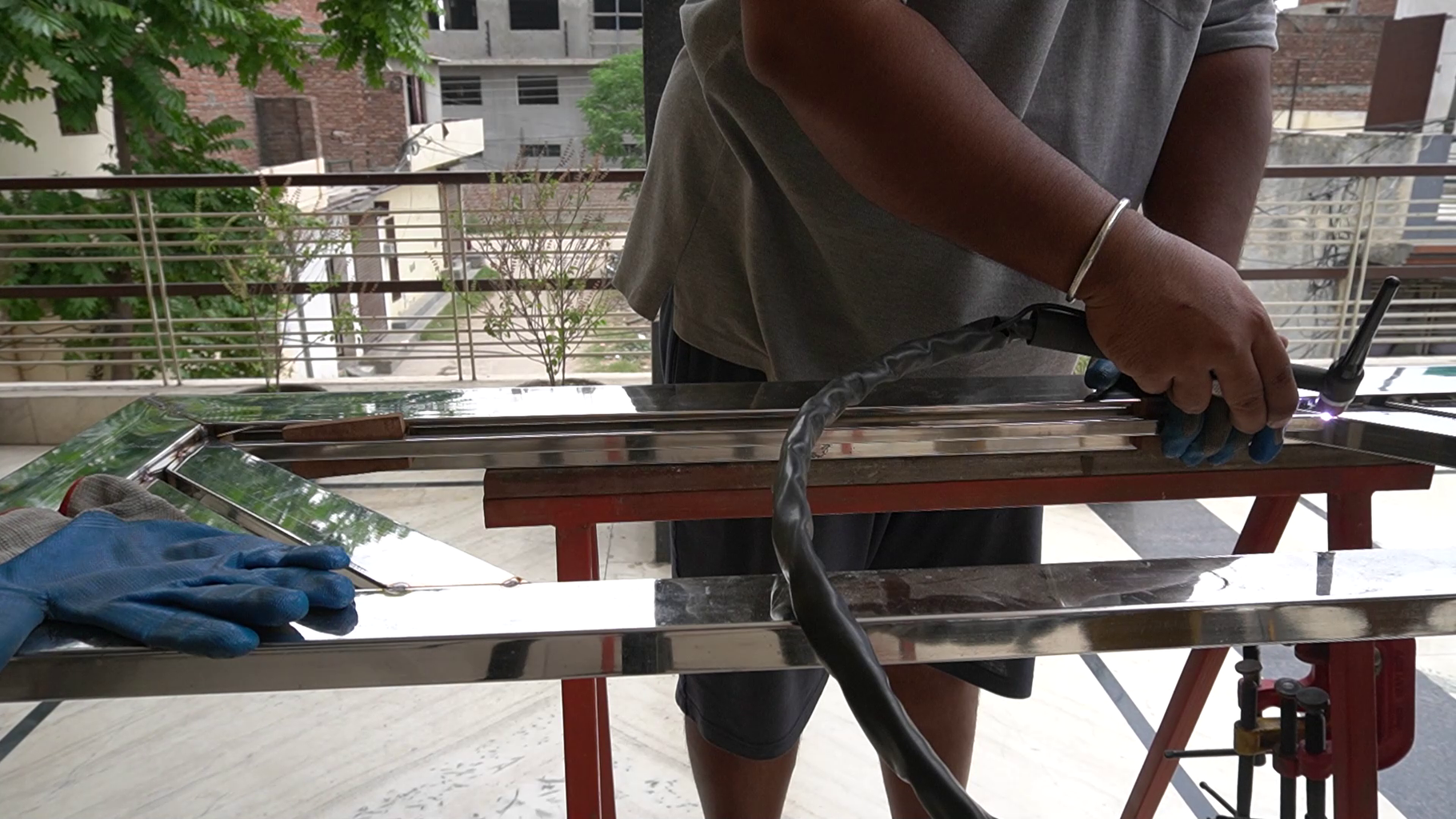 Constructing a Screen in the Bottom Area.