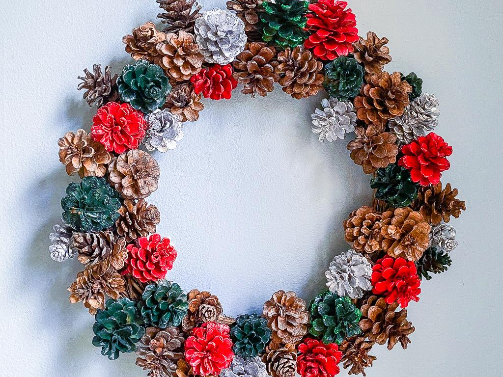 Diy Pine Cone Wreath From Pine Cones Found In Nature 8 Steps With Pictures Instructables