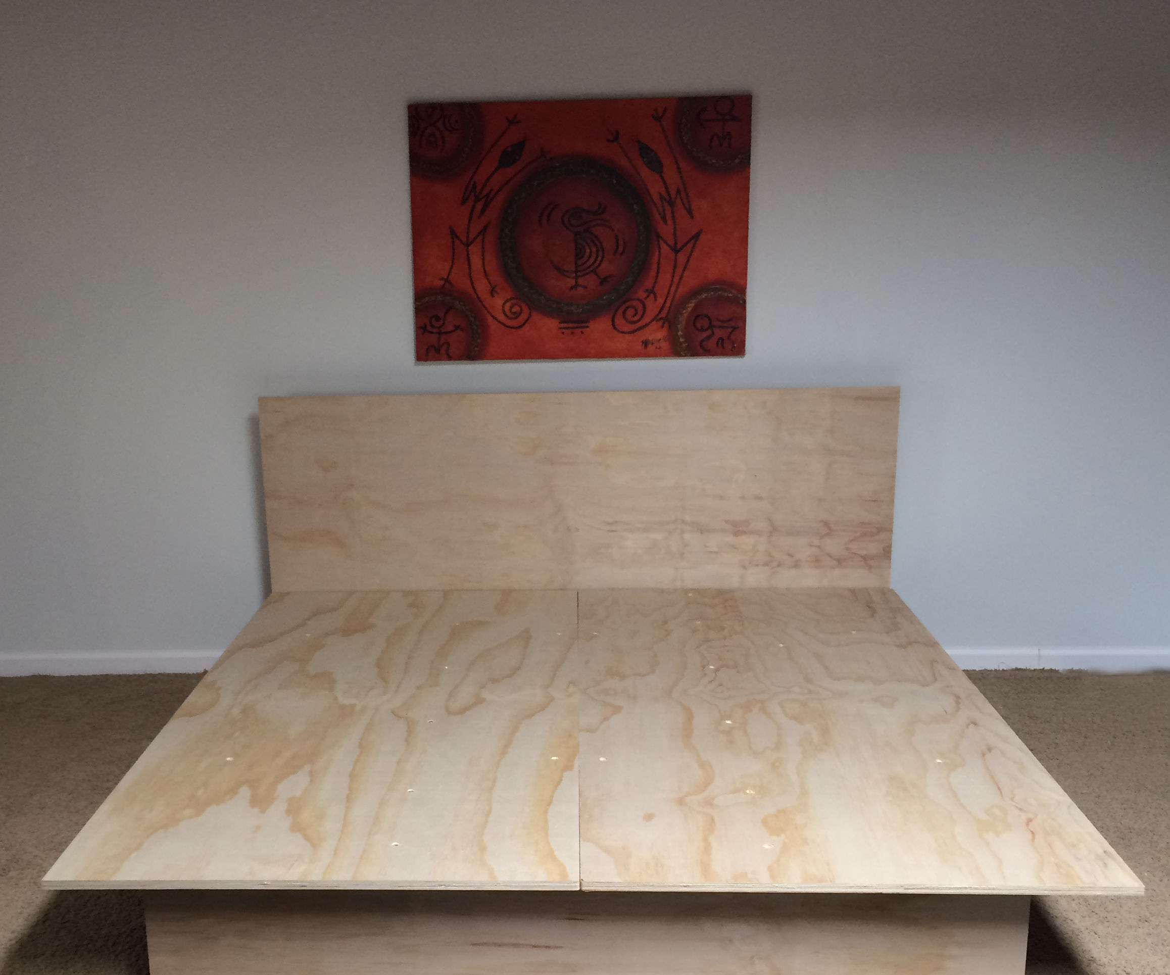 LuxO's EZ King Bed Frame