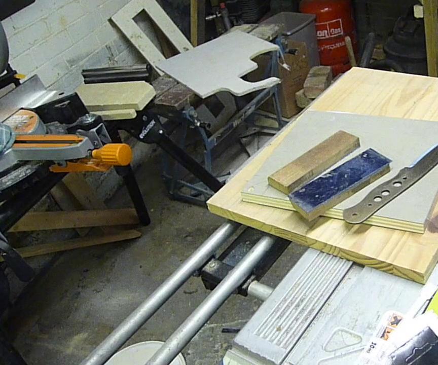 Making Bushcraft Knife Handle Liners