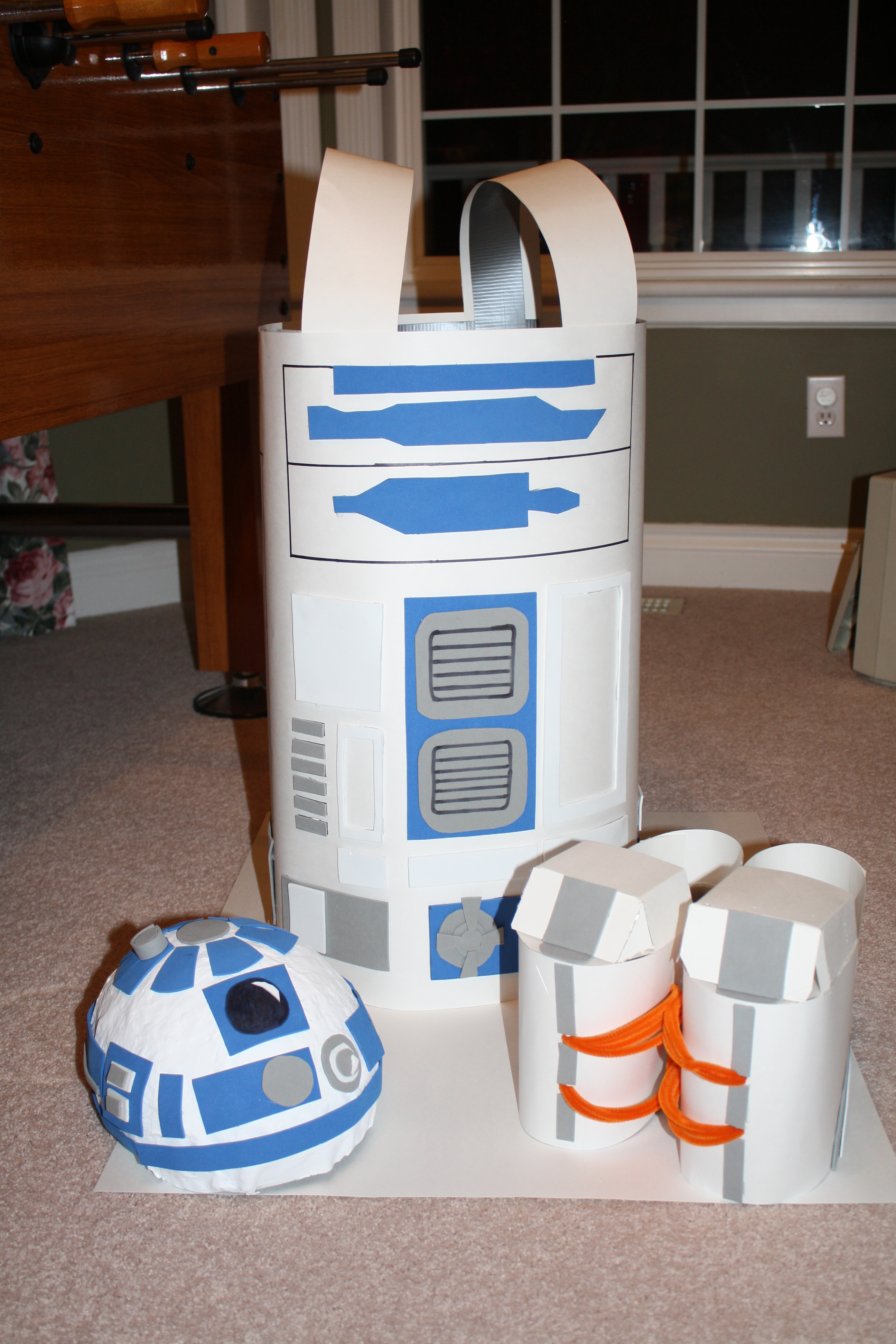 How to Make a R2D2 Costume for $10!