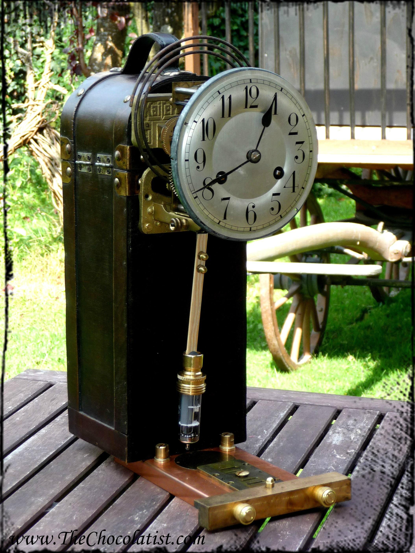 The Steampunk Pendulum Clock of the Airship Pirate