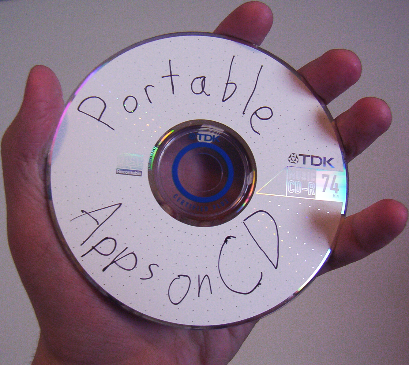 How to Autorun Portable Apps off of a CD