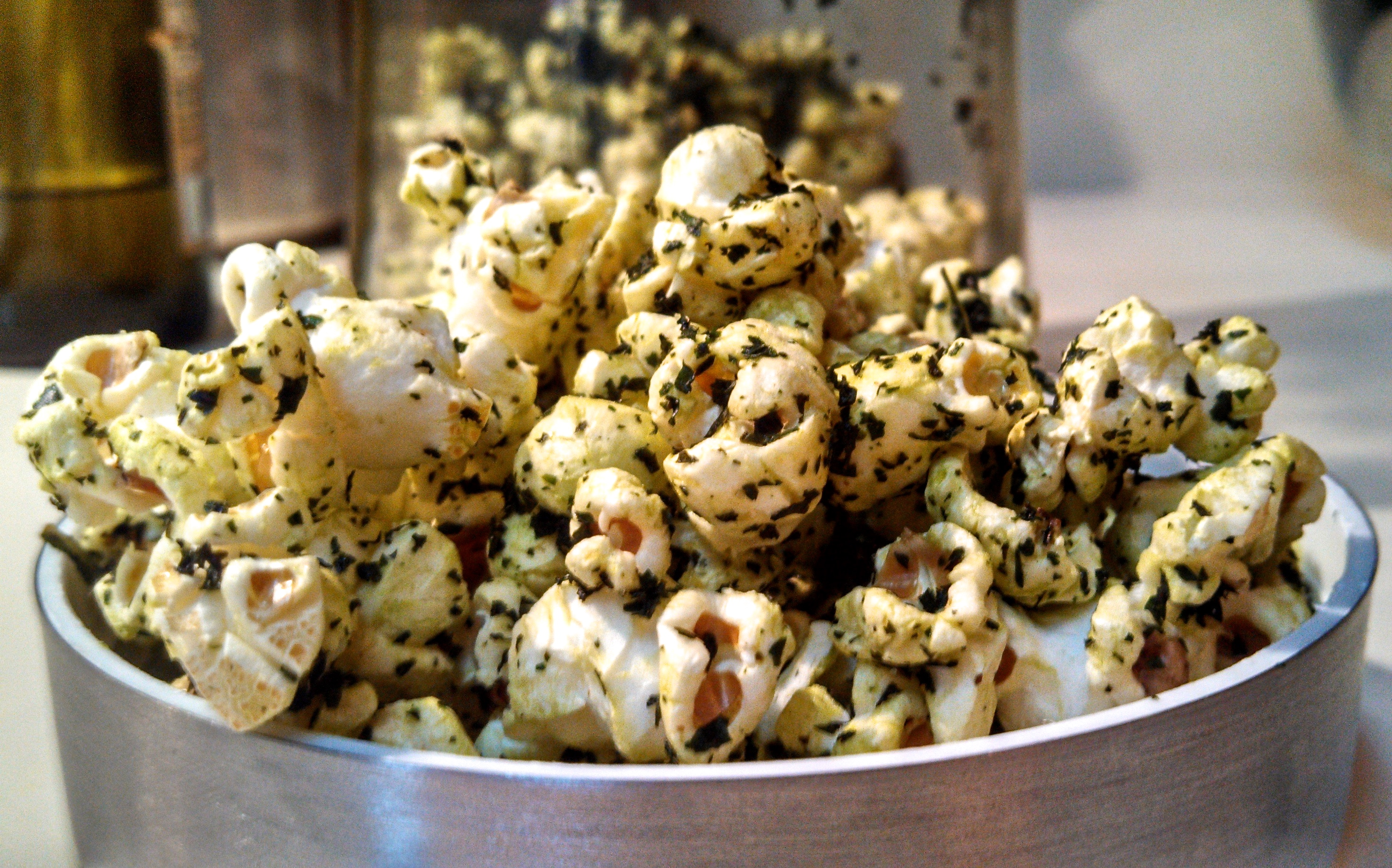 PopKale - How to make seasoned popcorn with truffle oil infused kale chip crumbles