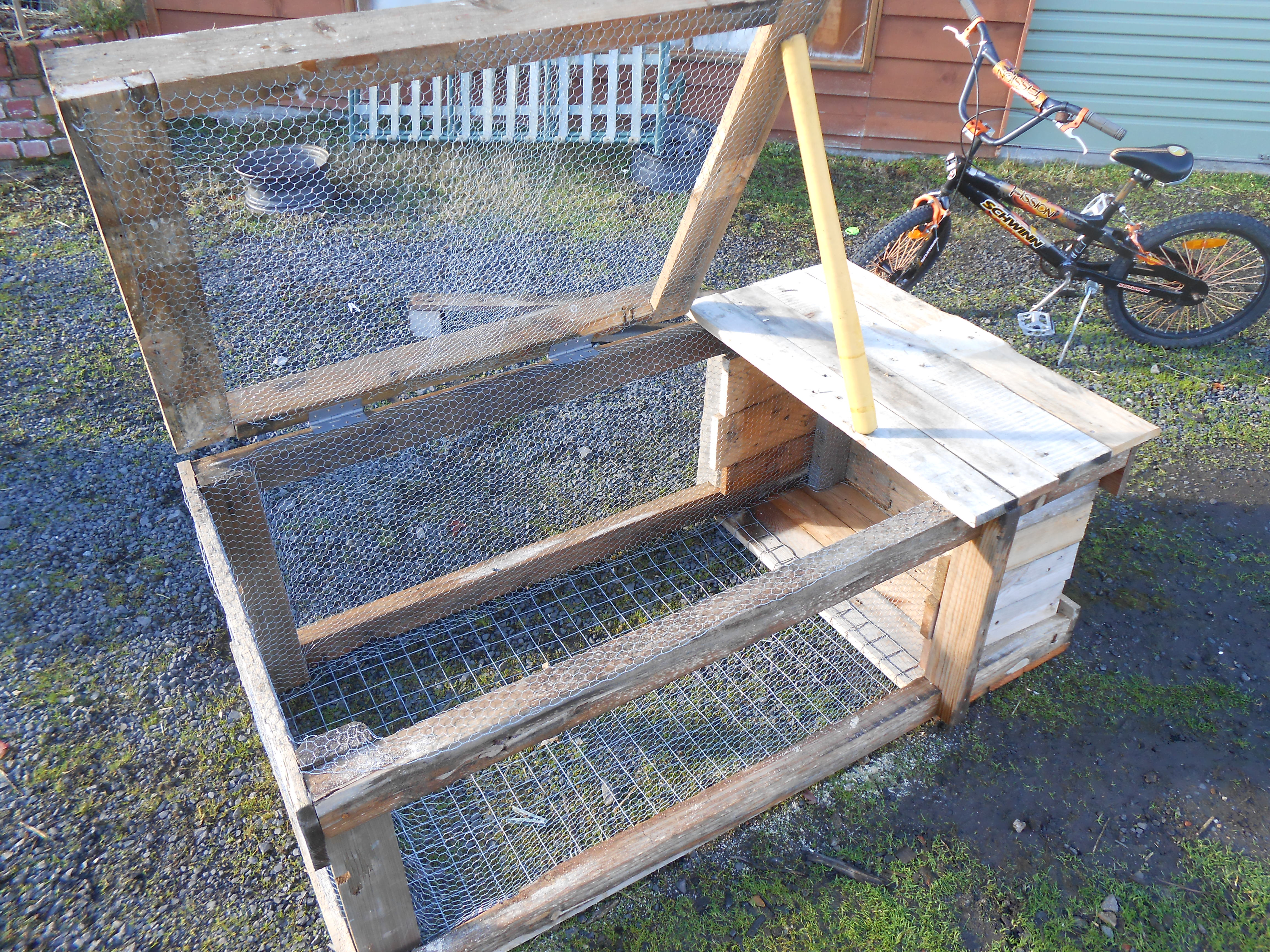 Building a small rabbit hutch