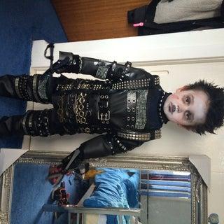Simple (yet Effective) Edward Scissorhands Costume for Kiddos
