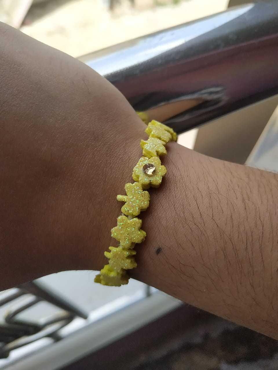 DIY Yellow Glittered Flower Leaf Bracelet !!