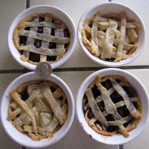 Cute Mini Pies: Apple and Cherry