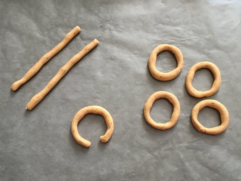 Making the Ring Murukku