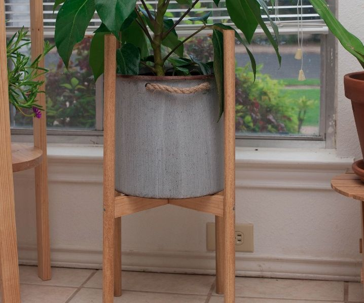 Simple Wood Dowel Plant Stand
