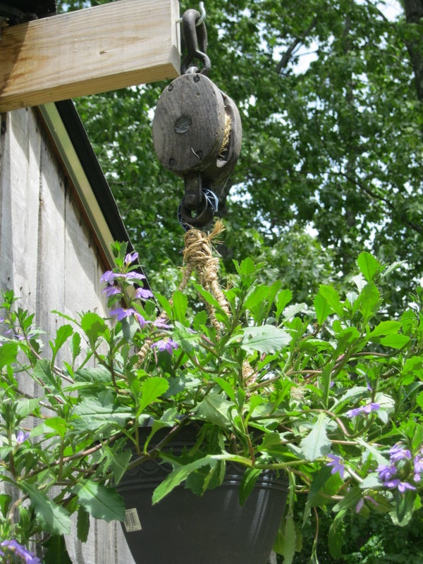 PULLEY PLANTER