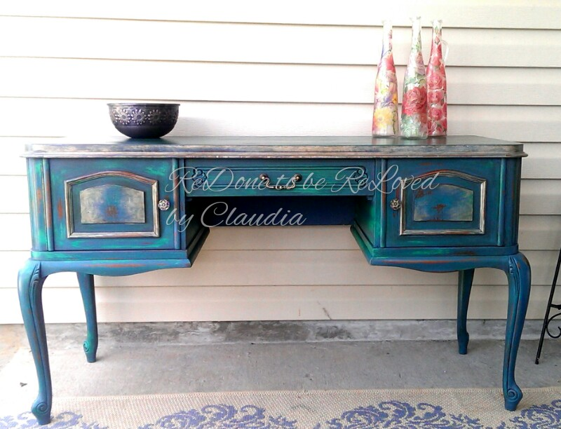 DIY Distressed Peacock Green Finish Using Chalk Paint