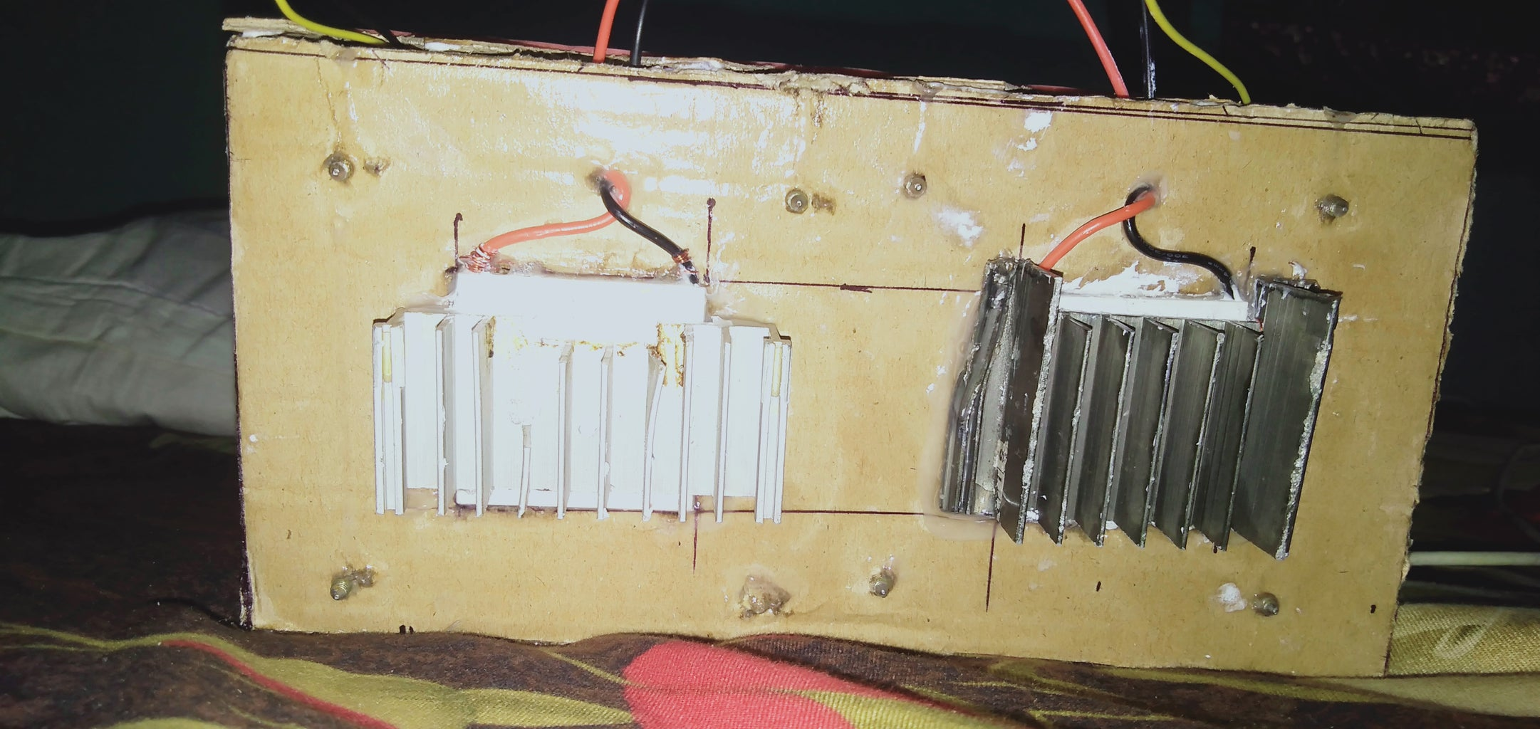 Cutting and Placing the Peltier Module With Thermal Compound and Heat Sinks