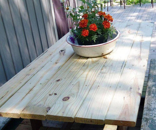 Outdoor Table Top – Replacing Our Demolished Barn Door Table