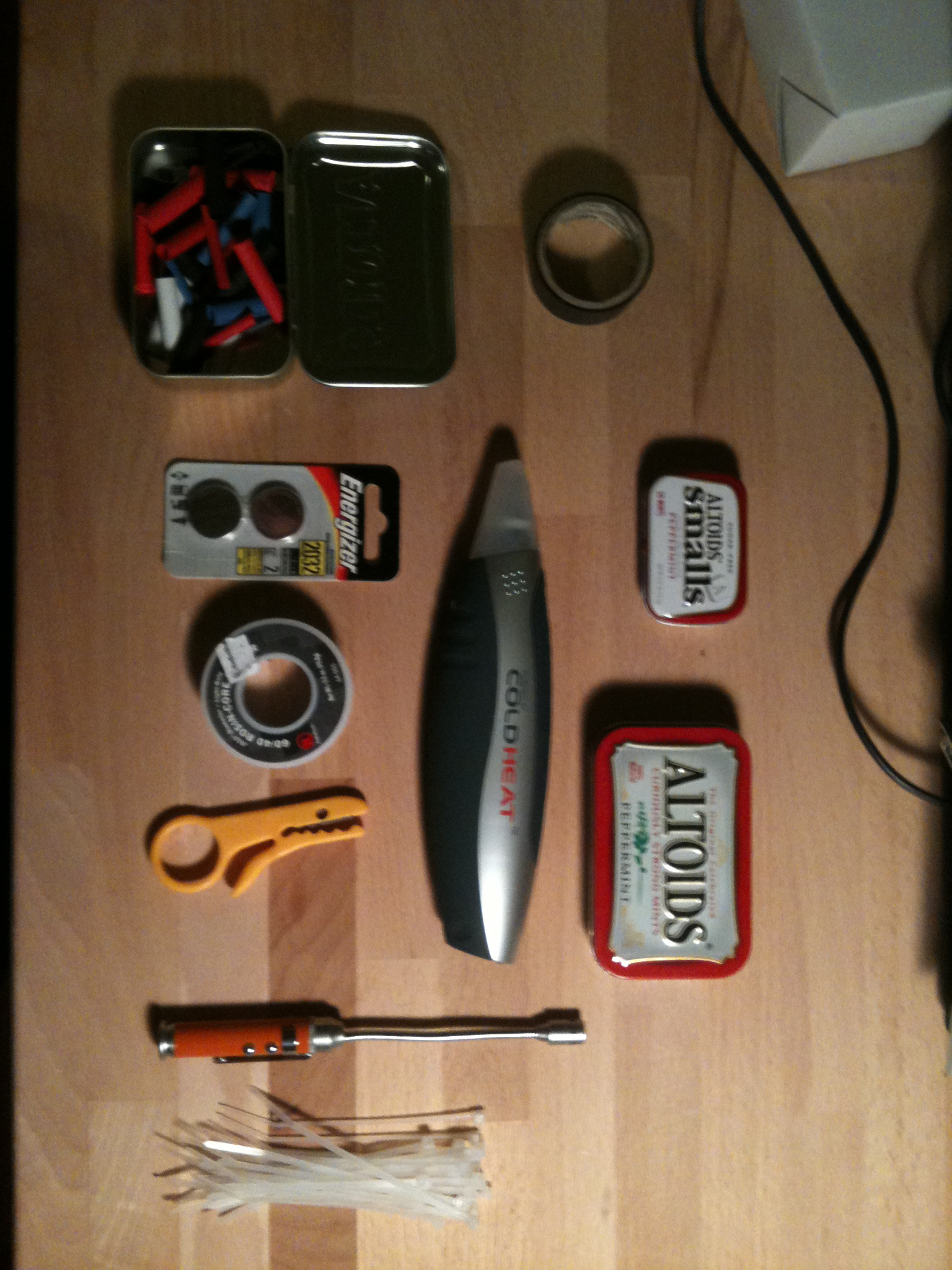 Pocket Sized Soldering Kit (Cold Heat Hack)
