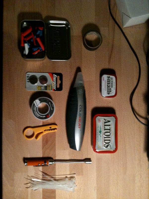 Pocket Sized Soldering Kit (Cold Heat Hack)