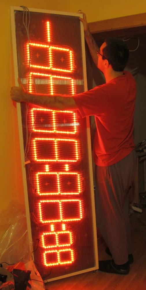 Build a huge 7 segments 8 digits red LED display