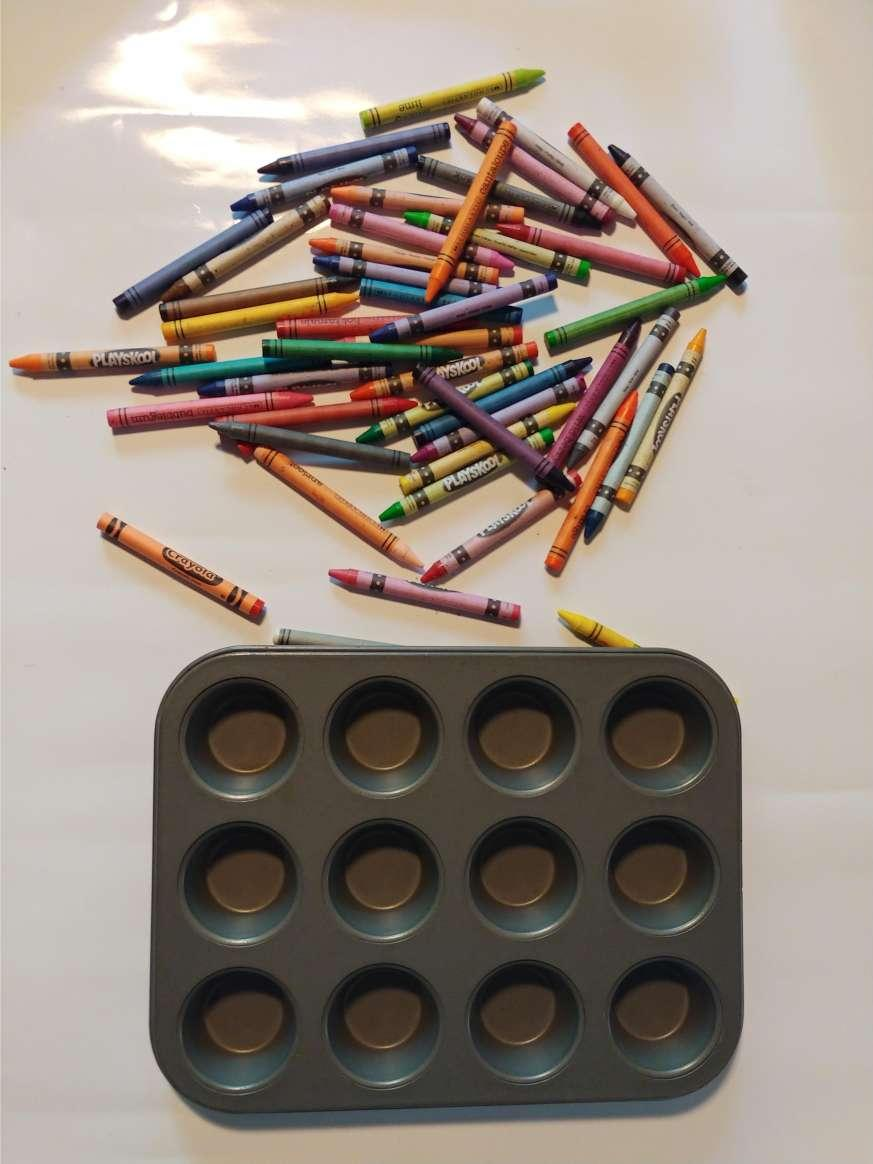 Fun Colorful Crayons for Kids!!