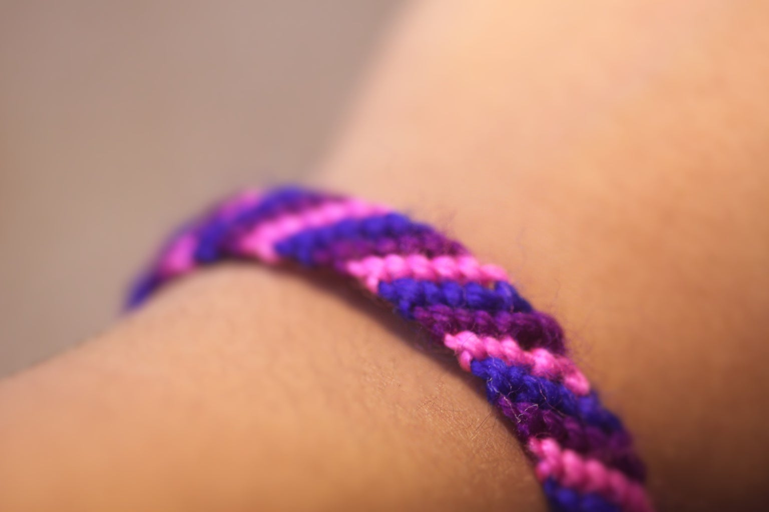 How to Make Bracelets Using Yarn