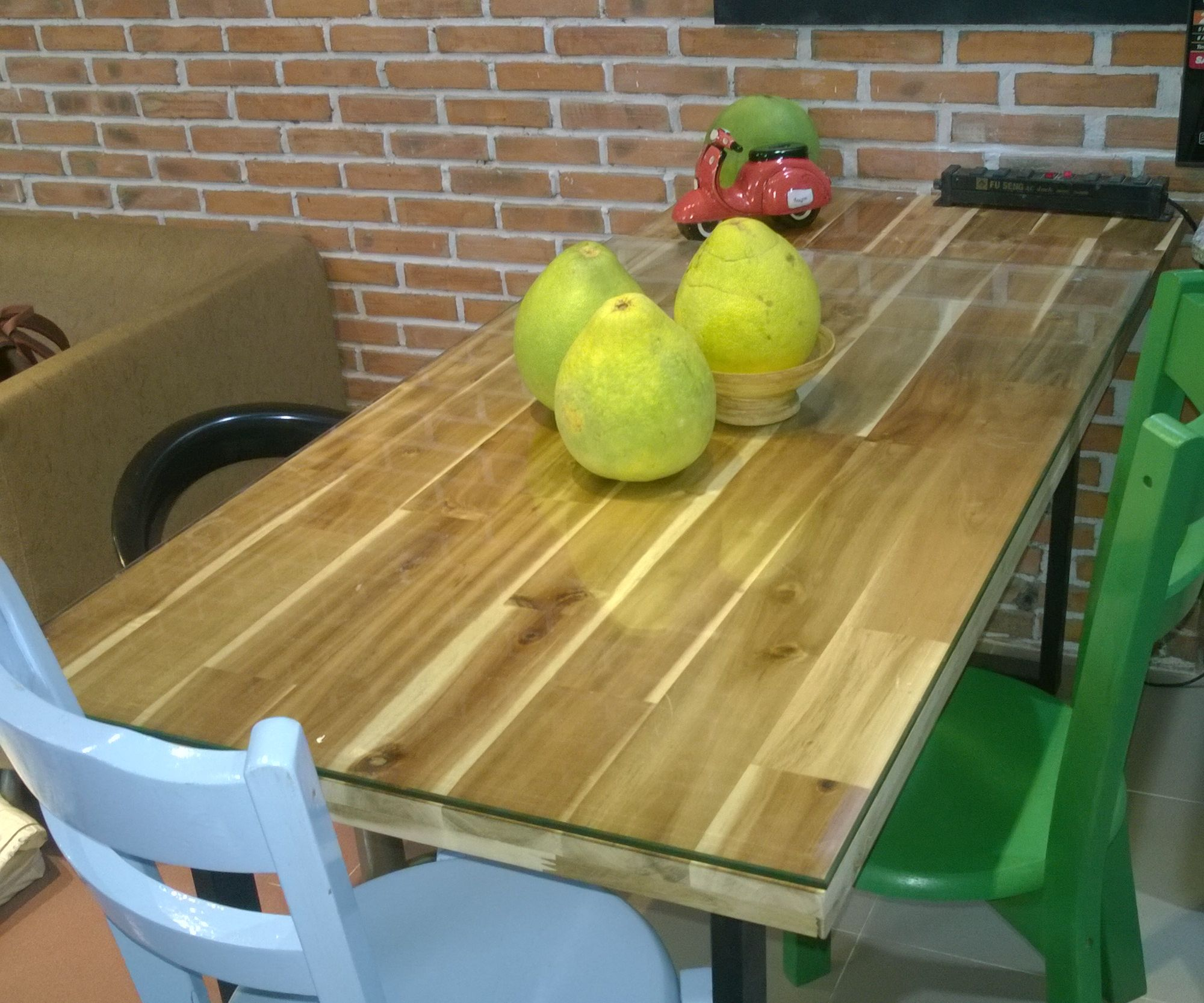 The Home-made Industrial style Dining table
