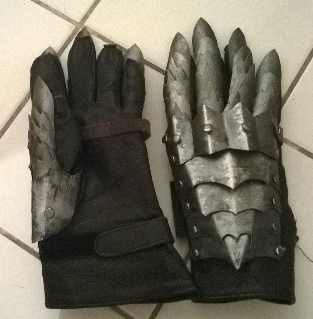 Nazgul Gloves in Worbla