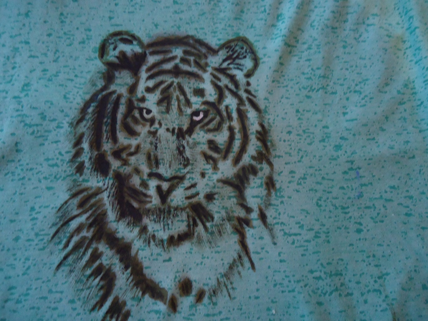 Painting the T-shirt