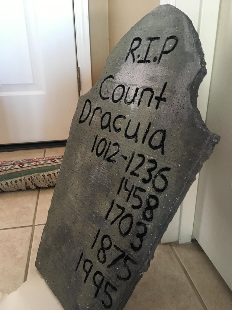DIY Engraved Halloween Gravestone Decorations