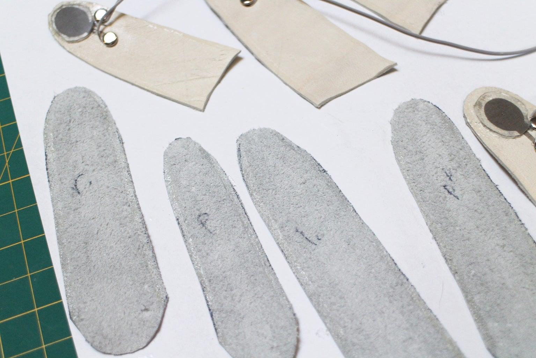 Glue Finger Seams