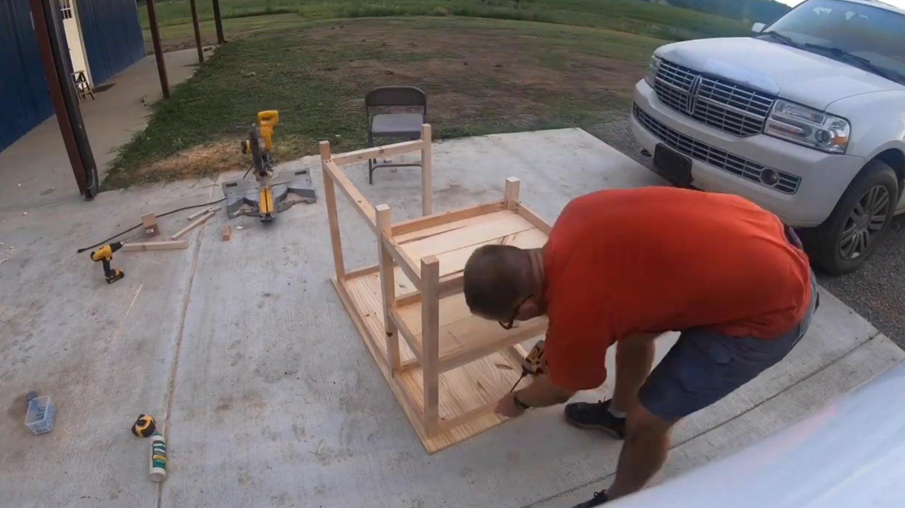 Attach the Table Top Using Pocket Screws and Wood Glue