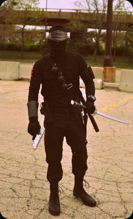 """How to make a G.I. Joe """"Snake Eyes"""" costume"""