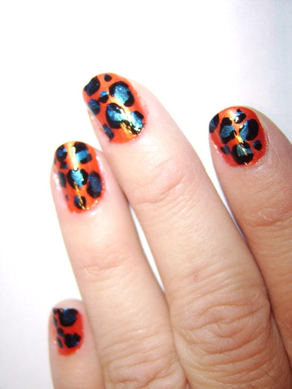 How-to: Crazy Leopard-Spotted Nails!