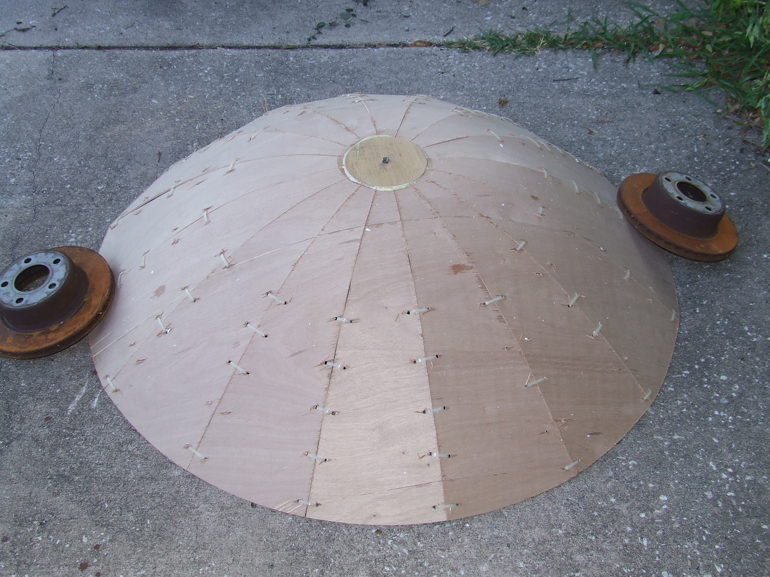 How to build a <strike>heliostat</strike> parabolic reflector