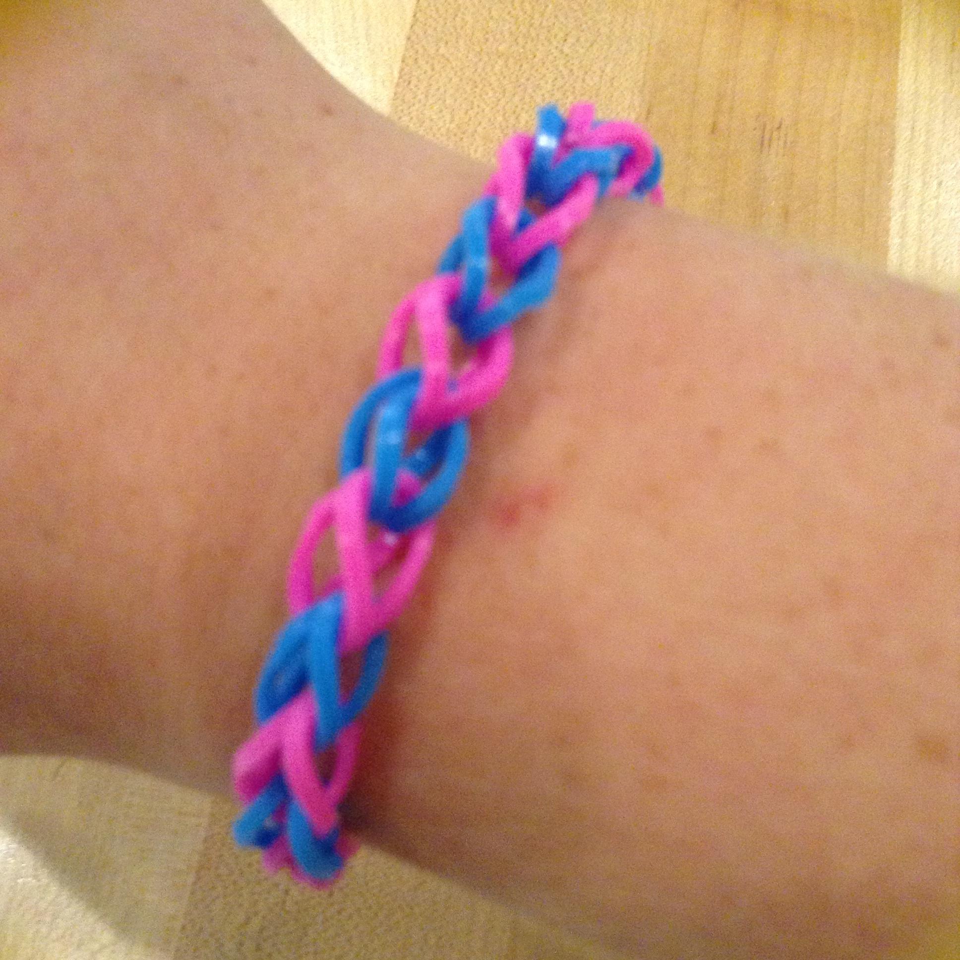 how to make a regular rubber band bracelet