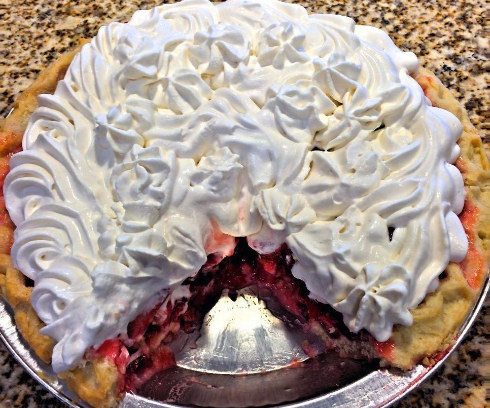 YUMMY Fresh Strawberry Pie