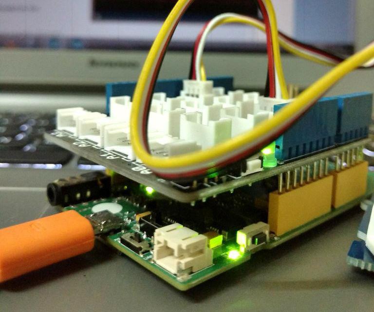 LinkitOne Sensor Data Logging using GoBetwino