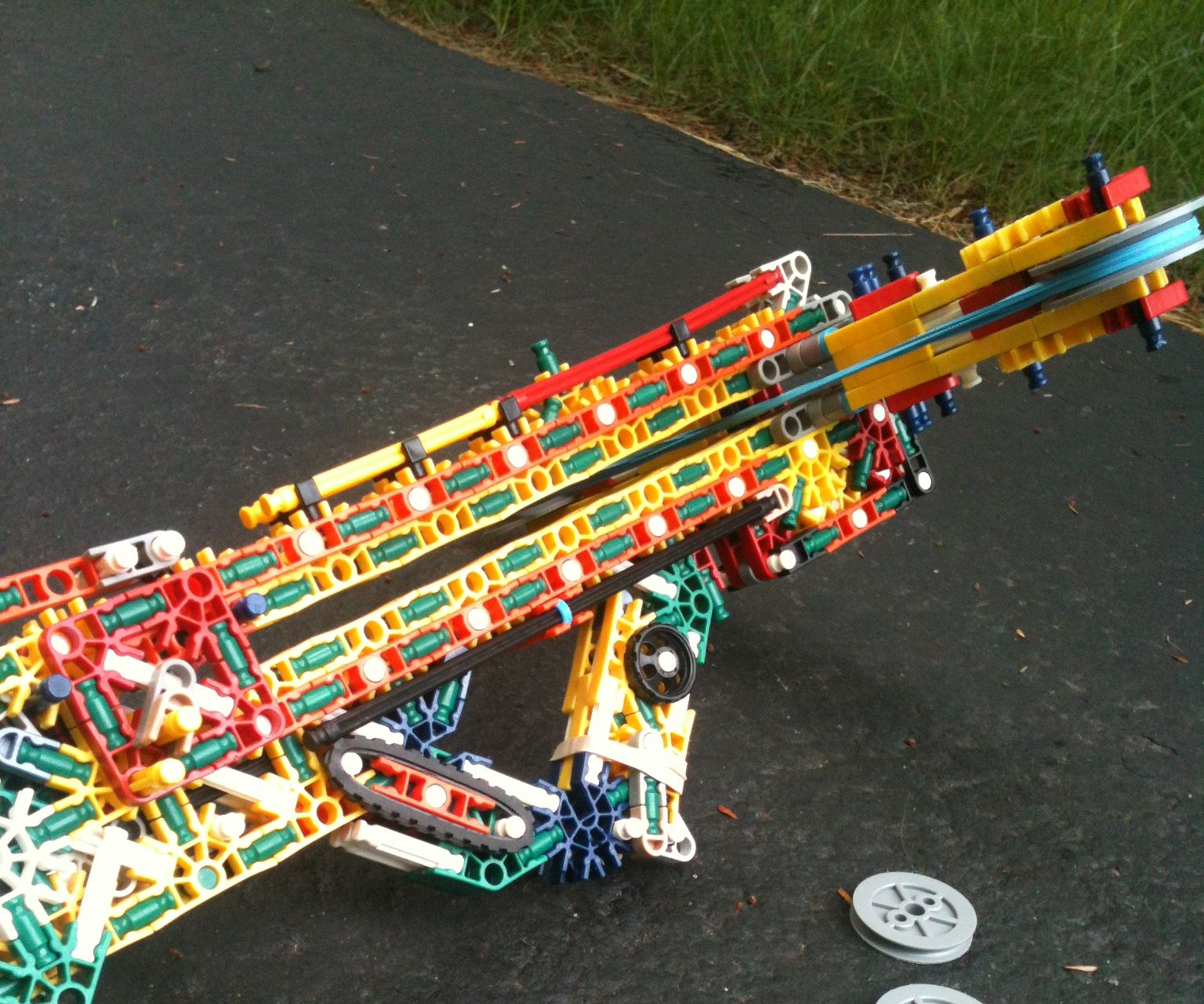 K'nex Compact Bullpup Wheel Launcher
