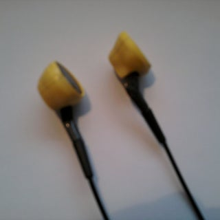 earbuds_20120321.jpg