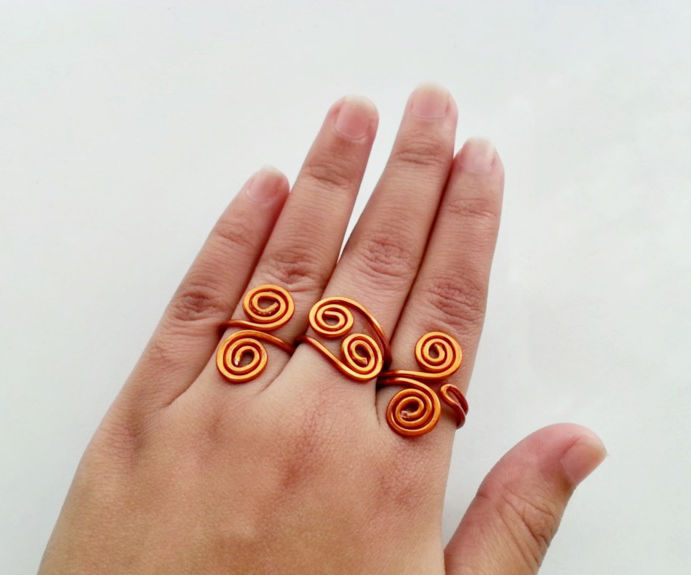 DIY Swirly Wire Rings