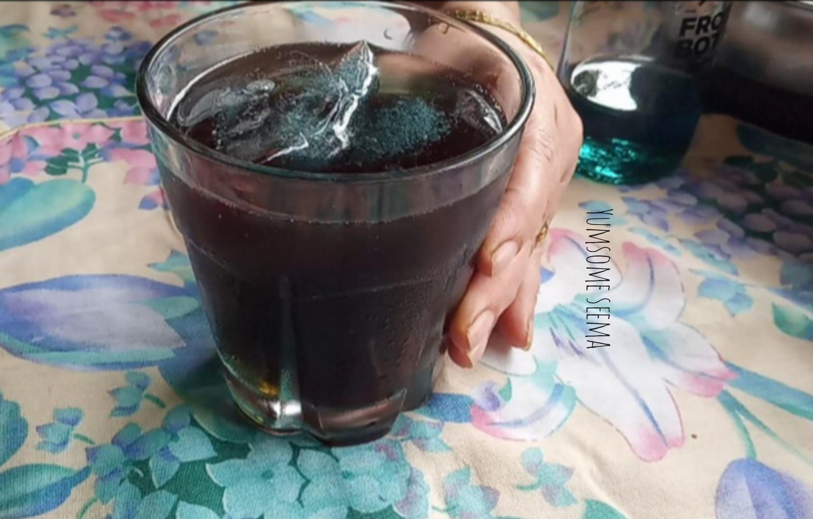 Witchy Drinks From Edible Flowers