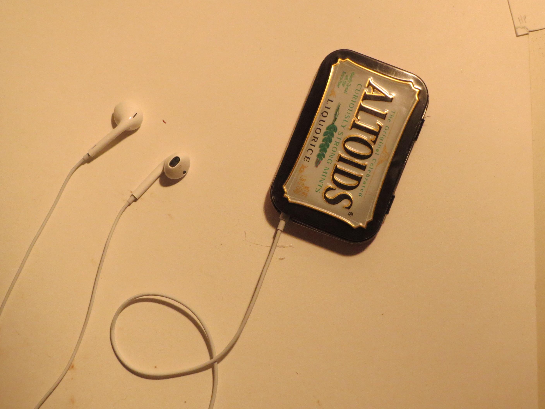 Altoids tin iPod case