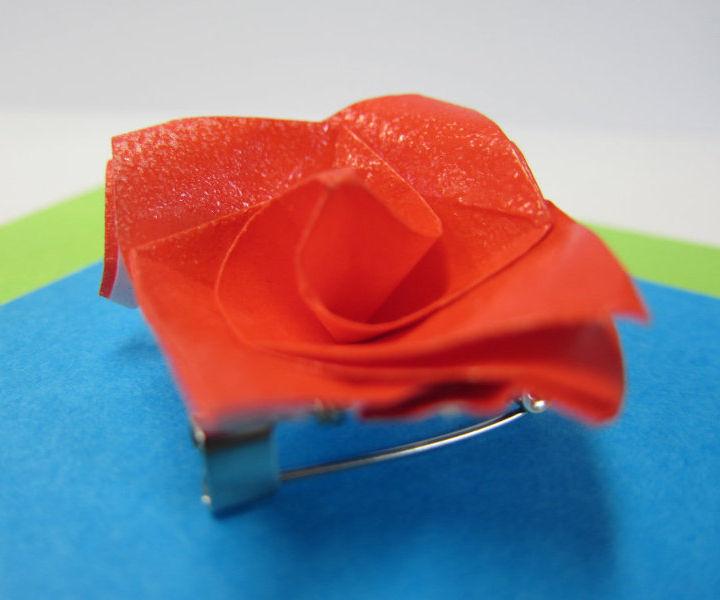 Make a origami rose brooch!
