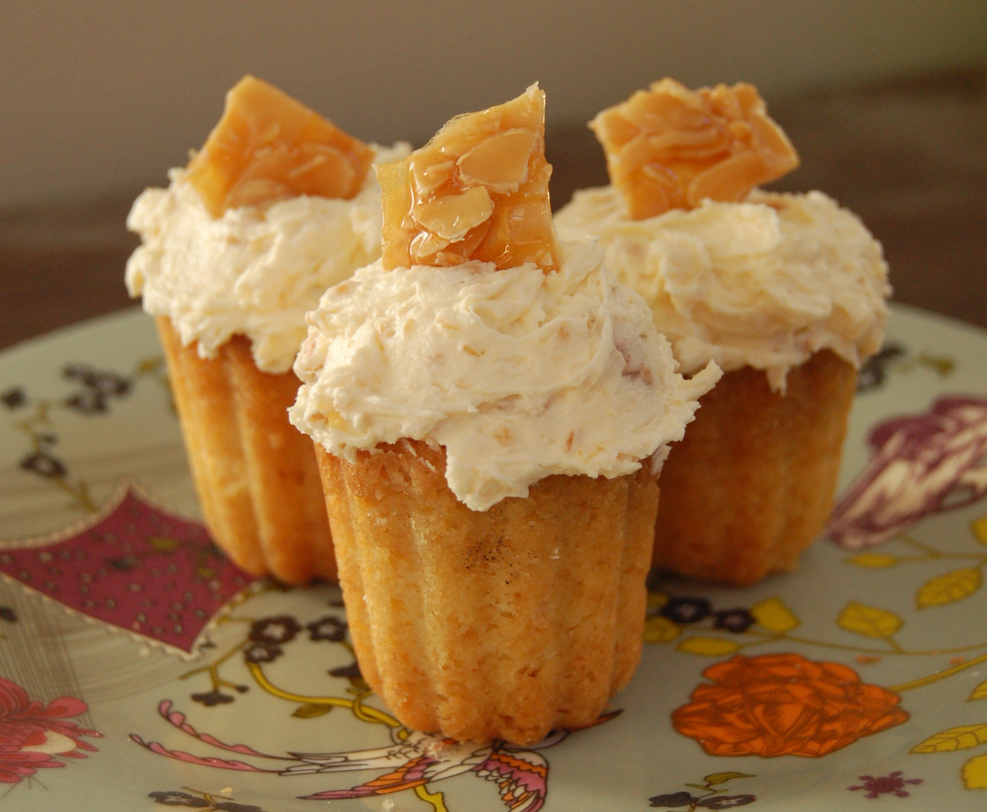 rum cupcakes with praline and amaretto frosting