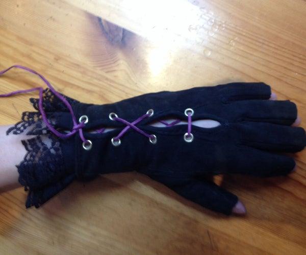 Geschnürte Handschuhe Mit Rüschen