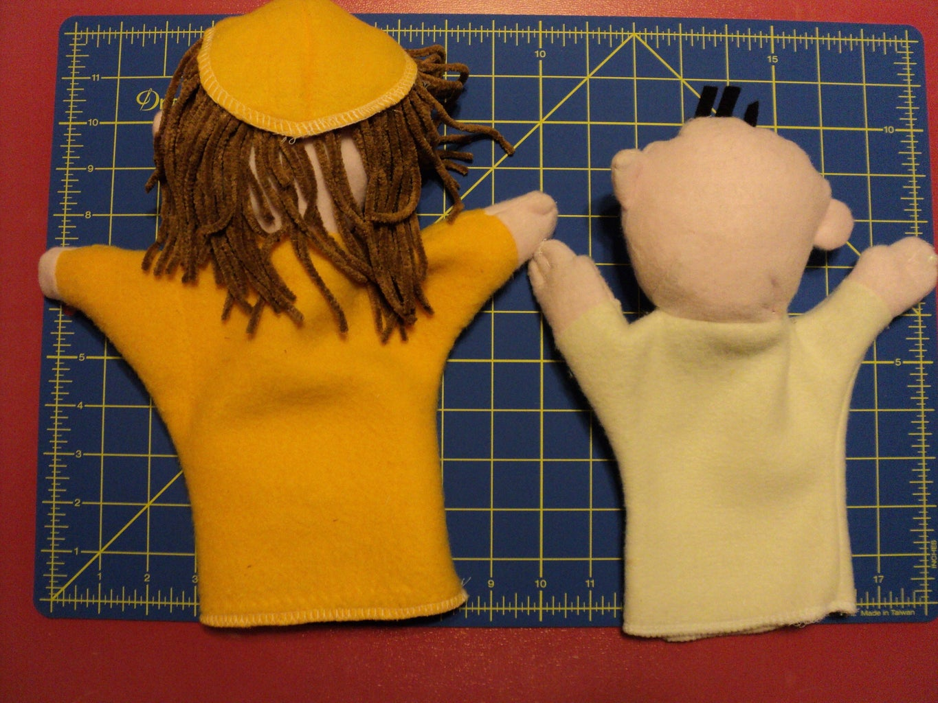 Hand-some Puppets