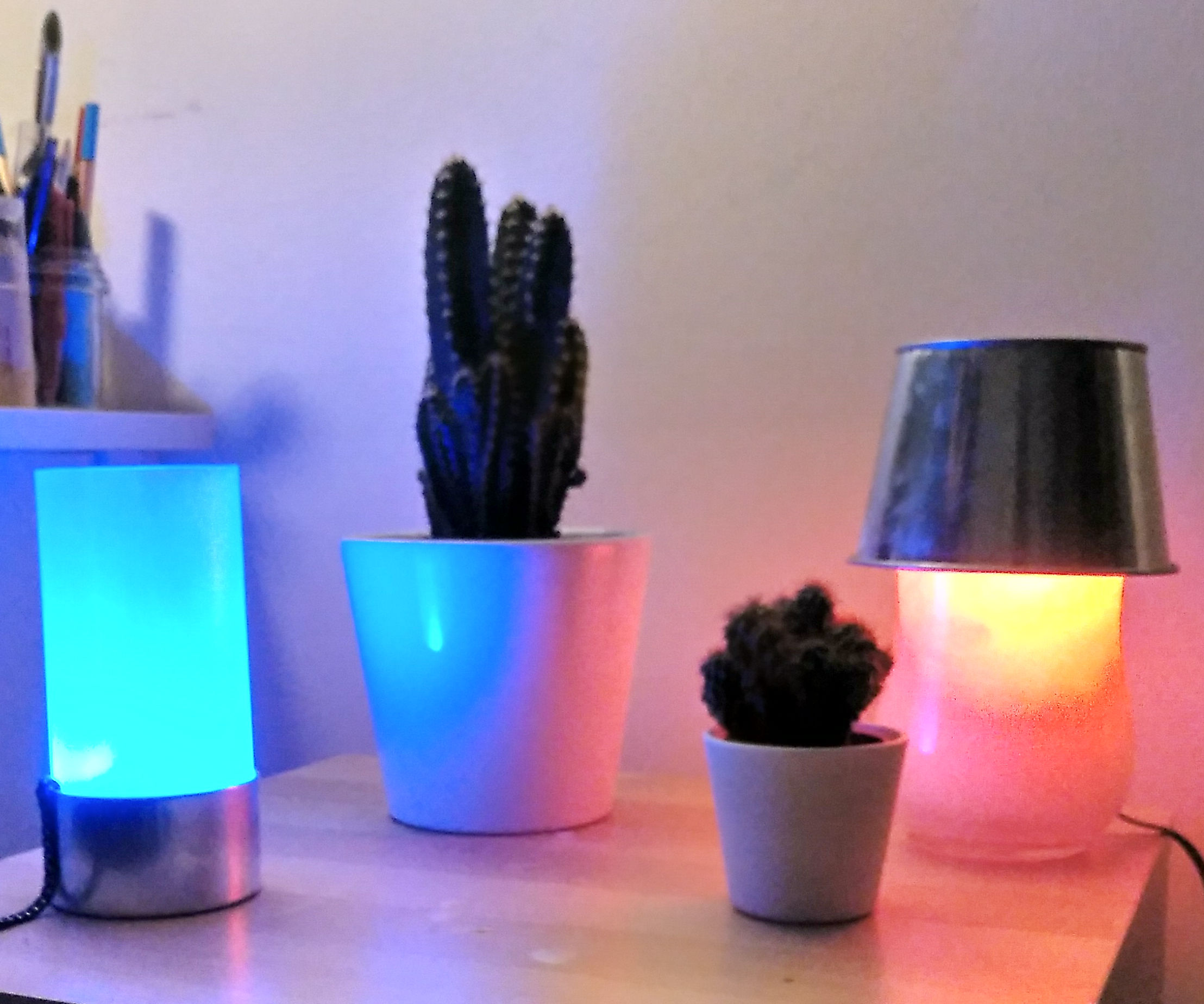 Color Synchronized Touch Lamps