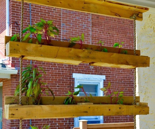 Pallet Project Inspired! Making the Hanging Gardens of Pallet-On Planter