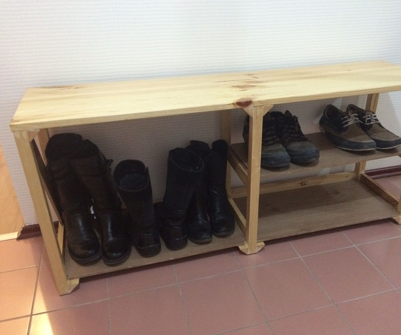 Shoe Shelf with Seating