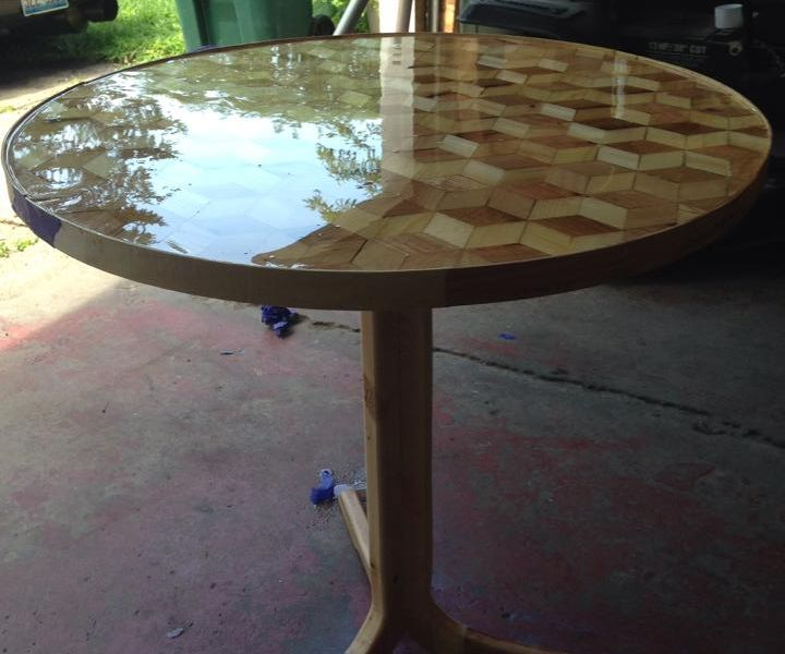 Pallet Wood Parquetry Circle Table
